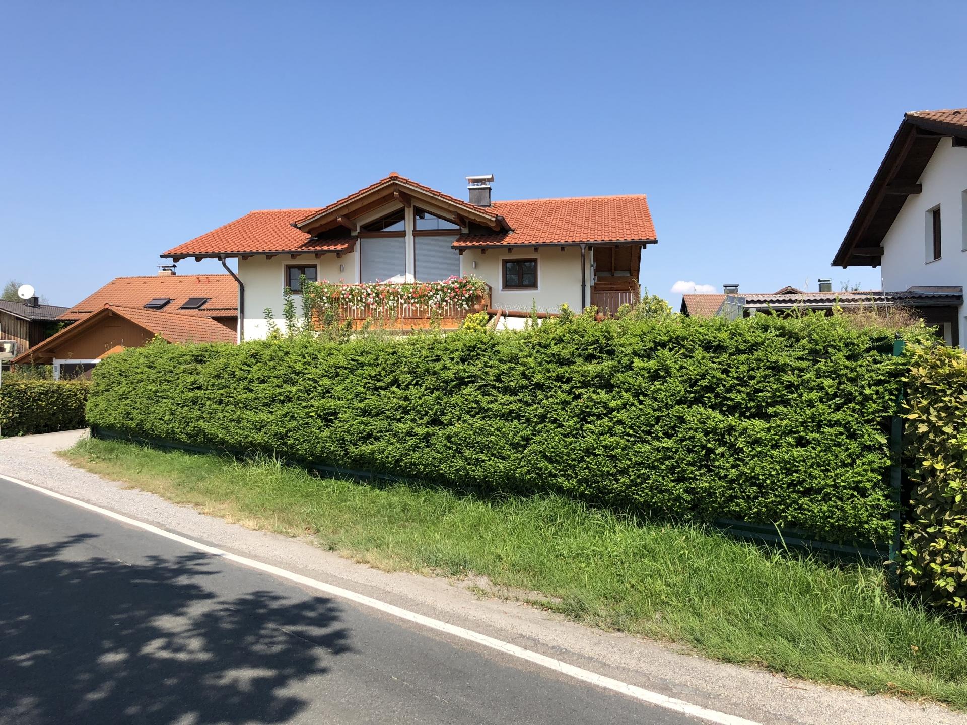naturawall Lärmschutzwand grün bepflanzt Landkreis Rosenheim