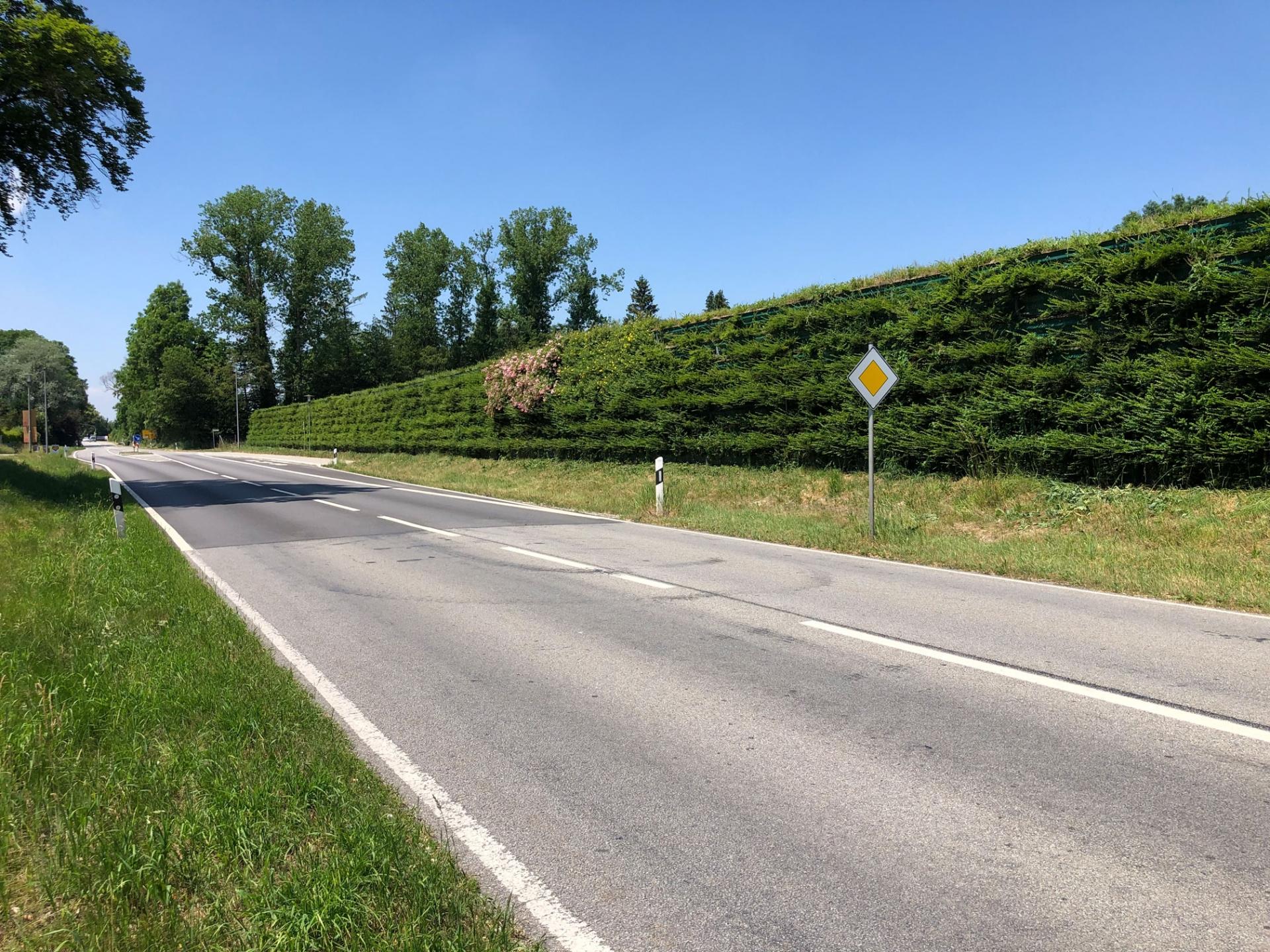 voll begrünte ökologische Lärmschutzwand Mühldorf