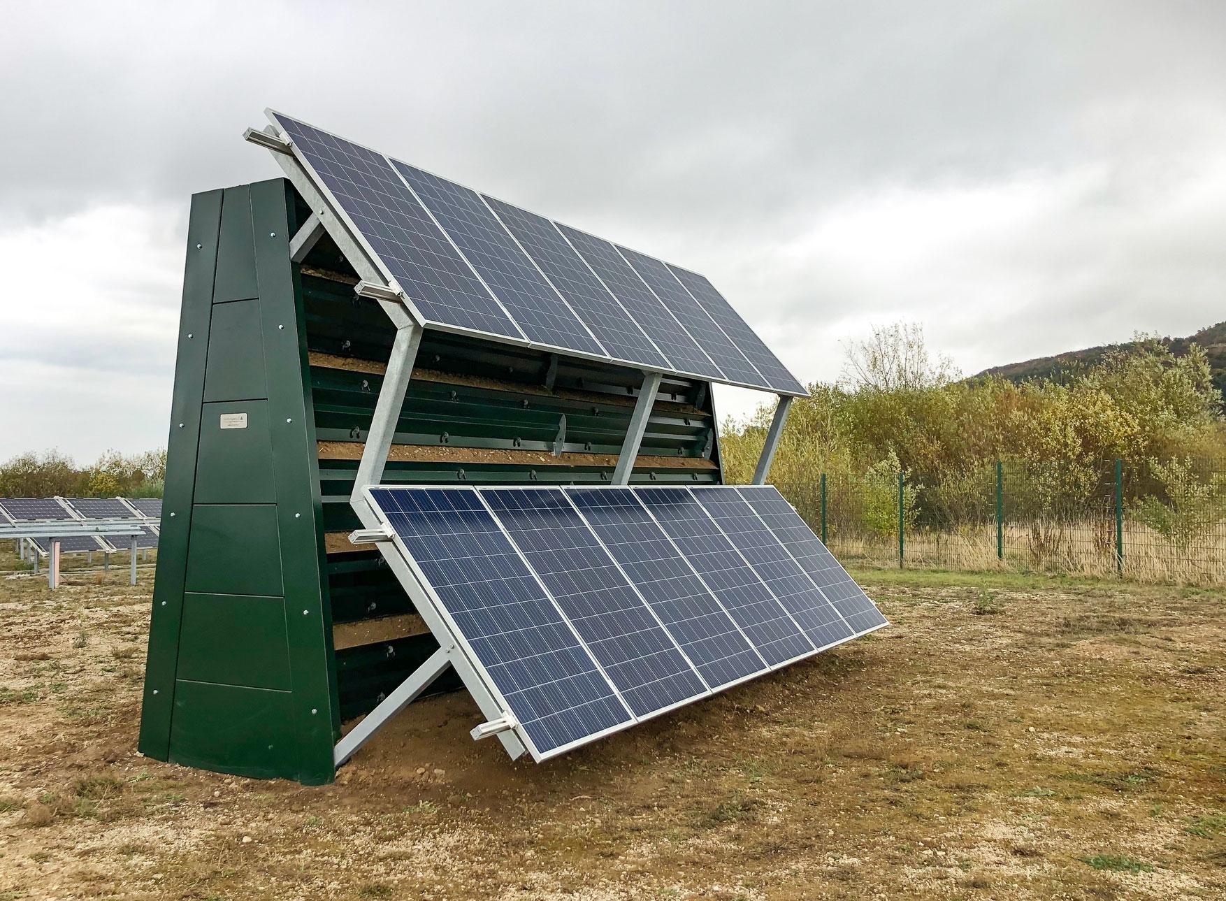 ökologische naturawall Lärmschutzwand mit einer Photovoltaik Anlage kombiniert